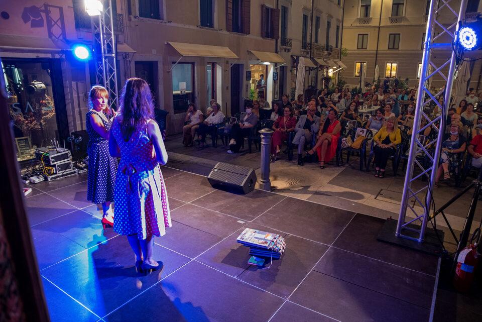 Foto ENCICLOPEDIA DELLA DONNA PERFETTA-Festival TrevisoRetrò