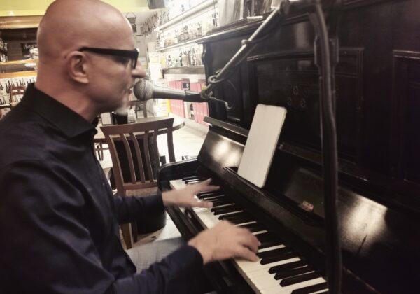 Carlo Colombo Piano e Voce | Venezia (VE) | 22/08/21